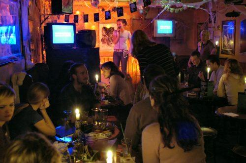 los in een karaokebar