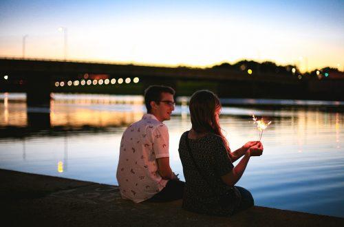 op een blind date gaan