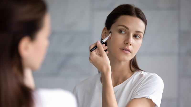 door deze make-up zie je er ouder uit