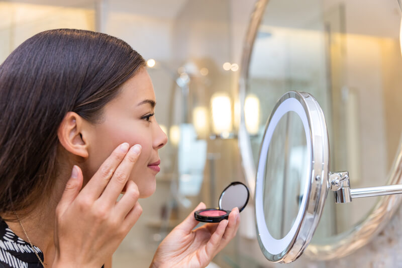 make-up waardoor je er ouder uit ziet